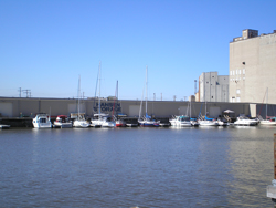 Hansen Marina - Milwaukee